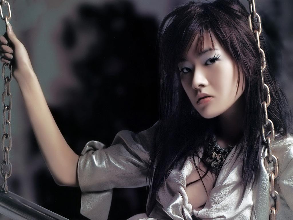 张磊写真-秋千上的女孩