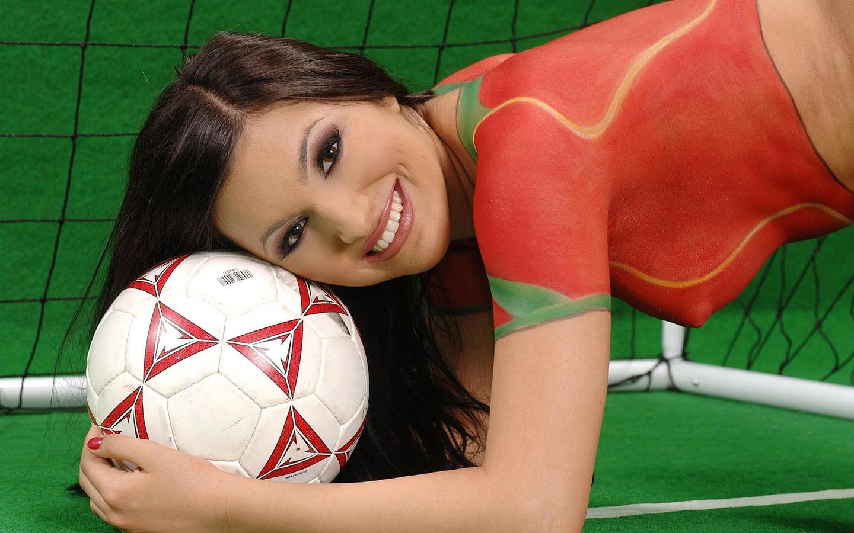 足球宝贝人体彩绘版二