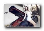 保时捷911改装车美女模特宽屏壁纸